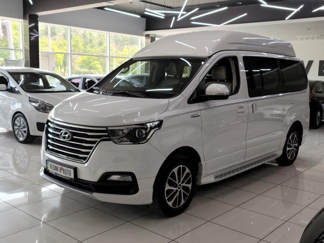Hyundai Grand Starex (2019)