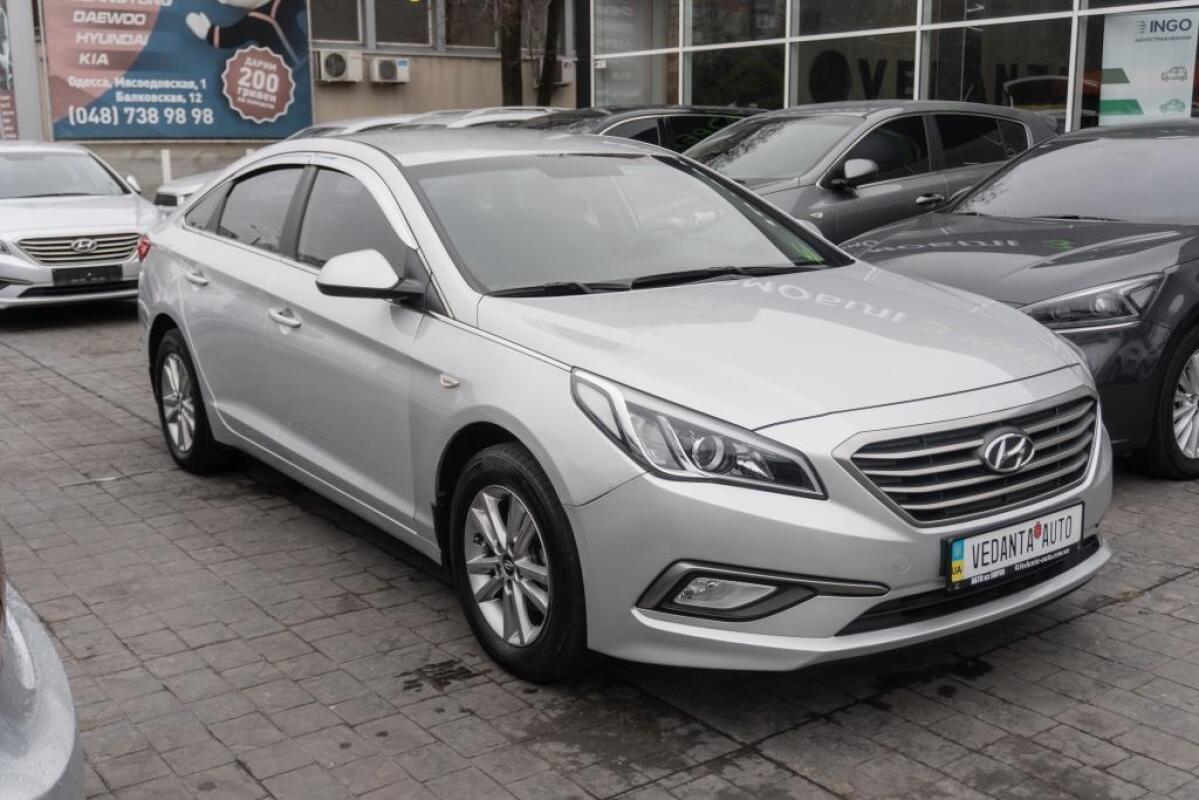 Hyundai Sonata (2015)